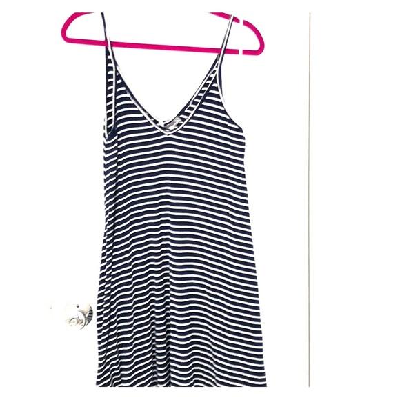 Lovers + Friends Dresses & Skirts - Lovers+friends swing dress/beach coverup